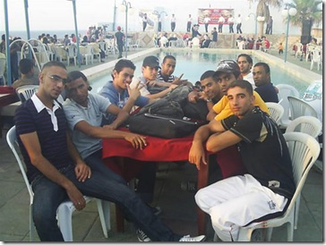 Gazan_breakdancers_chillin